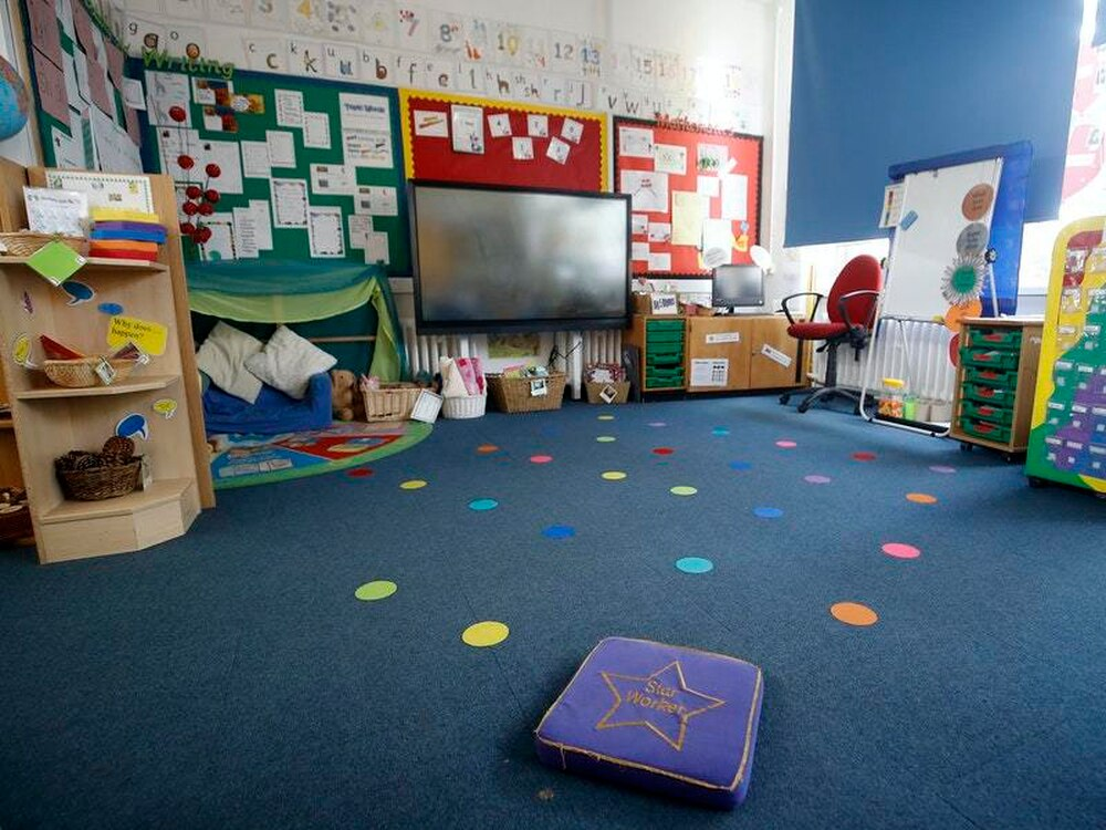Union criticises 'flimsy' evidence behind Government's plan to reopen schools