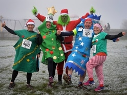 Hundreds brave bitter conditions for Chasewater run - in pictures