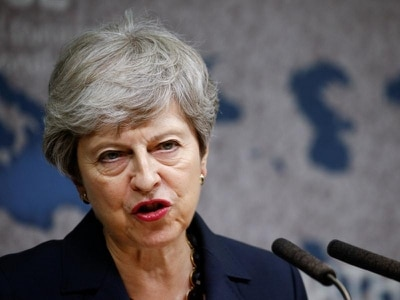 May urges successor to seek Brexit agreement as fears of no-deal grow