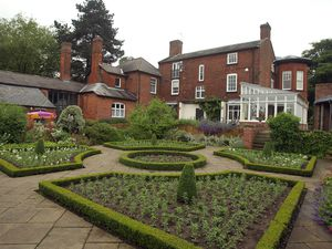 Magazine Jonathan Hipkiss 03/06/2012 Copyright Jonathan Hipkiss Photography/07974 329 823/www.jahphoto.co.uk... Village feature on Finchfield near Wolverhampton.  Bantock House Gardens in Bantock Park.