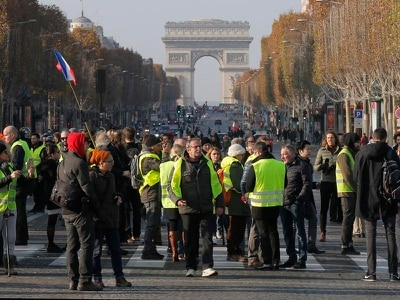 Up to 409 injured as scattered fuel tax protests persist in France