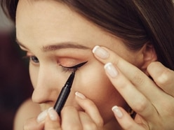 Woman hilariously reviews eyeliner that stayed perfect after a car accident