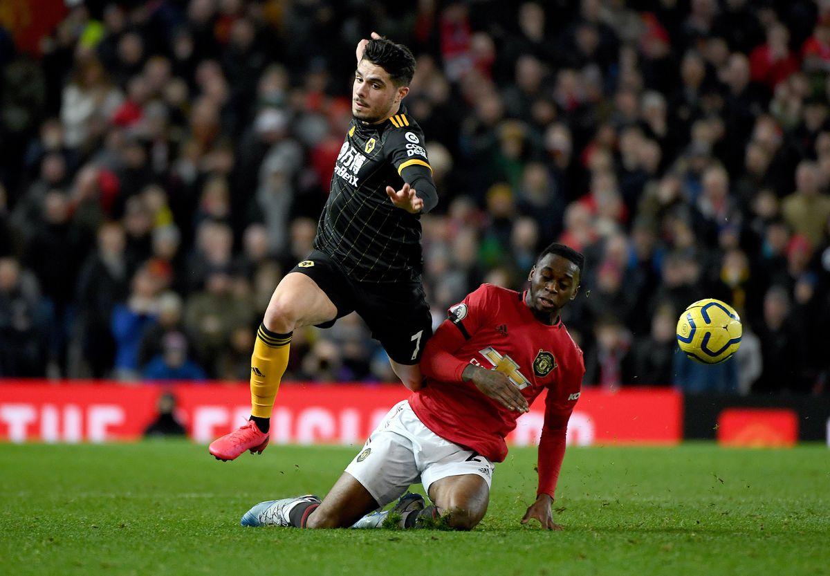 Pedro Neto of Wolverhampton Wanderers and Aaron Wan-Bissaka of Manchester United (AMA)