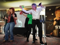 Rod Stewart Fan Club 20th anniversary celebrations go ahead despite freezing conditions - with pictures and video