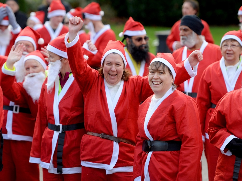 More Than 100 Turn Out For Wolverhampton S Annual Santa