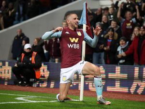 """Aston Villa's Conor Hourihane celebrates scoring his side's first goal of the game during the Premier League match at Villa Park, Birmingham. PA Photo. Picture date: Monday November 25, 2019. See PA story SOCCER Villa. Photo credit should read: Nick Potts/PA Wire. RESTRICTIONS: EDITORIAL USE ONLY No use with unauthorised audio, video, data, fixture lists, club/league logos or """"live"""" services. Online in-match use limited to 120 images, no video emulation. No use in betting, games or single club/league/player publications."""