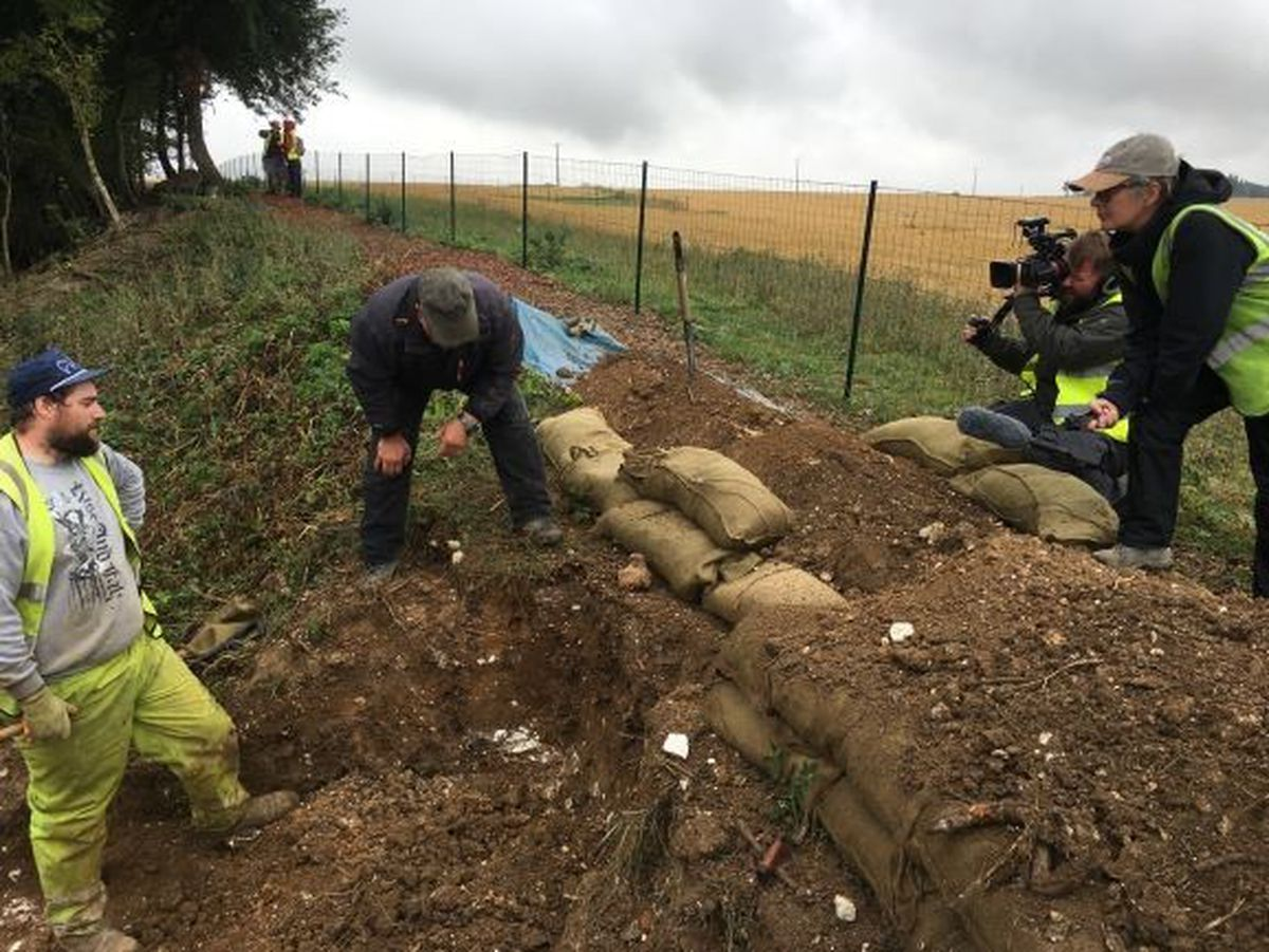Researchers on site at Hawthorn Crater in France