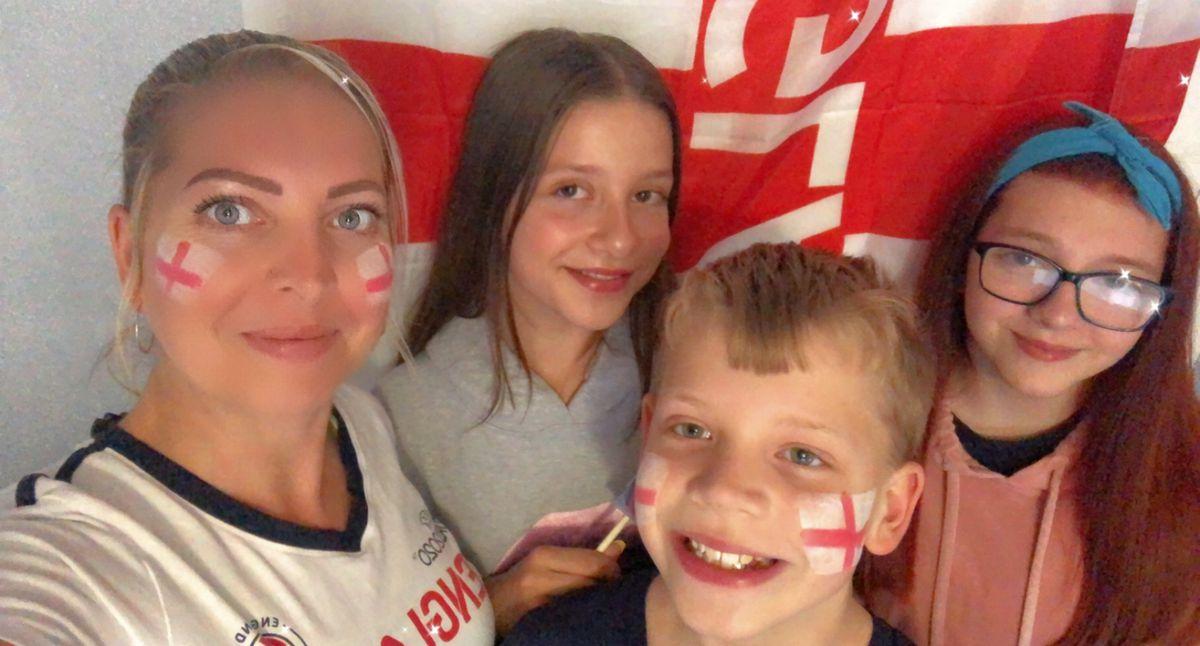 Zoei Yates watching at home with children, Autumn, Lyra and Jai