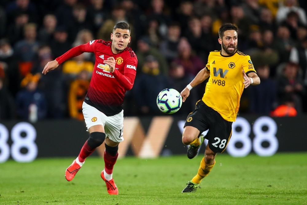 Wolves seal permanent deal for striker Jimenez
