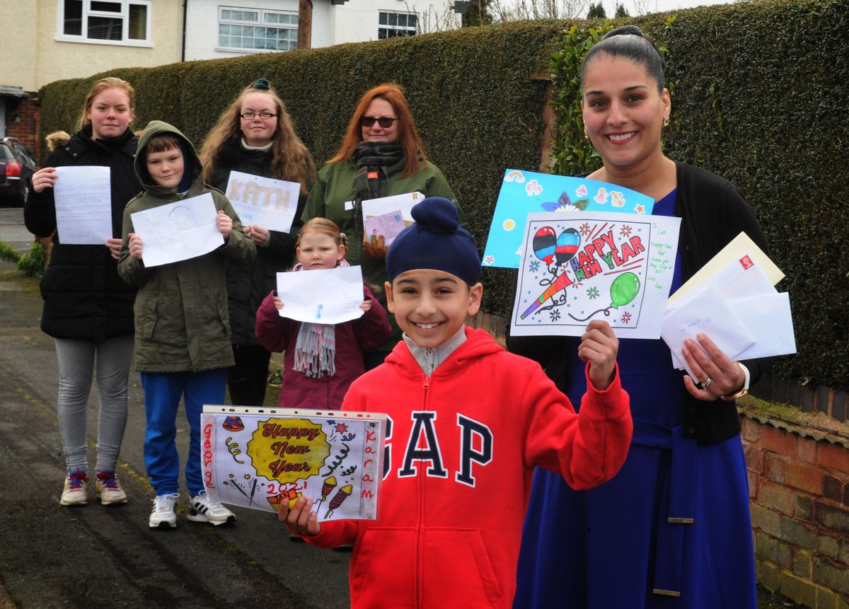 Manni Kaur and her son Deen, eight, with Aimee, 13, Dominic, 11, Chloe, 15, and Isobel Box, five, with mother Gemma Box