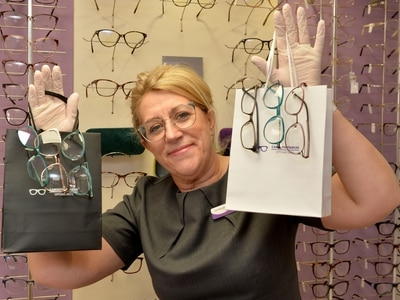 Opticians to deliver glasses to those in self-isolation