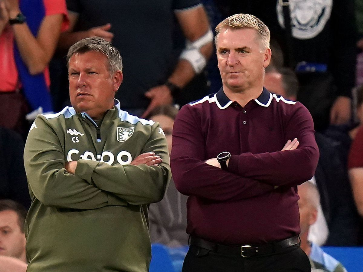 """Aston Villa manager Dean Smith (right) and assistant Craig Shakespeare on the touchline during the Premier League match at Stamford Bridge, London. Picture date: Saturday September 11, 2021. PA Photo. See PA story SOCCER Chelsea. Photo credit should read: Adam Davy/PA Wire.   RESTRICTIONS:  EDITORIAL USE ONLY No use with unauthorised audio, video, data, fixture lists, club/league logos or """"live"""" services. Online in-match use limited to 120 images, no video emulation. No use in betting, games or single club/league/player publications."""