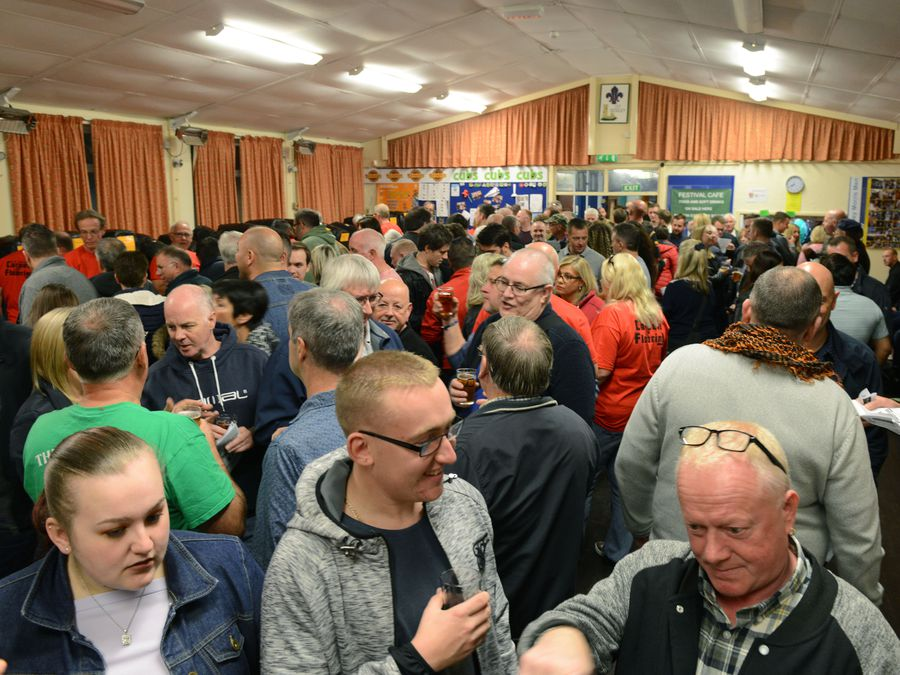 DUDLEY NEWS EXPRESS & STAR ( JOHN SAMBROOKS ) 28/09/2018..Crowds turn out in force to raise money for the 1st Sedgley Scouts at the Sedgley Beer Festival.....................................................................................................................  .............................