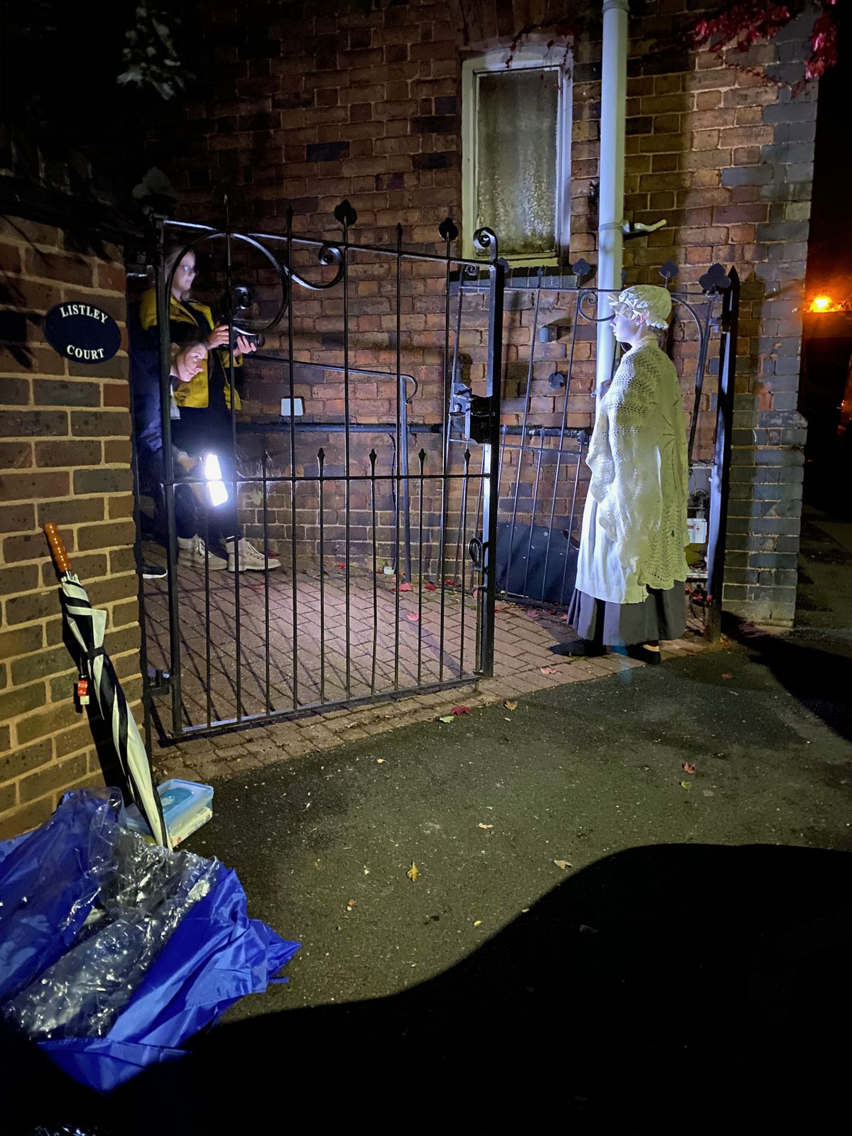 Film je bil posnet več septembrskih noči s prizori na določenih lokacijah, ki na Ghost Walk niso bili mogoči