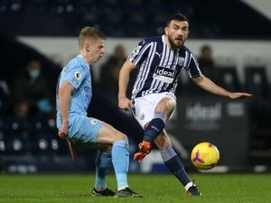 Robert Snodgrass of West Bromwich Albion and Oleksandr Zinchenko of Manchester City. (AMA)