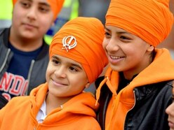 Thousands out on streets for Vaisakhi parade - PICTURES and VIDEO