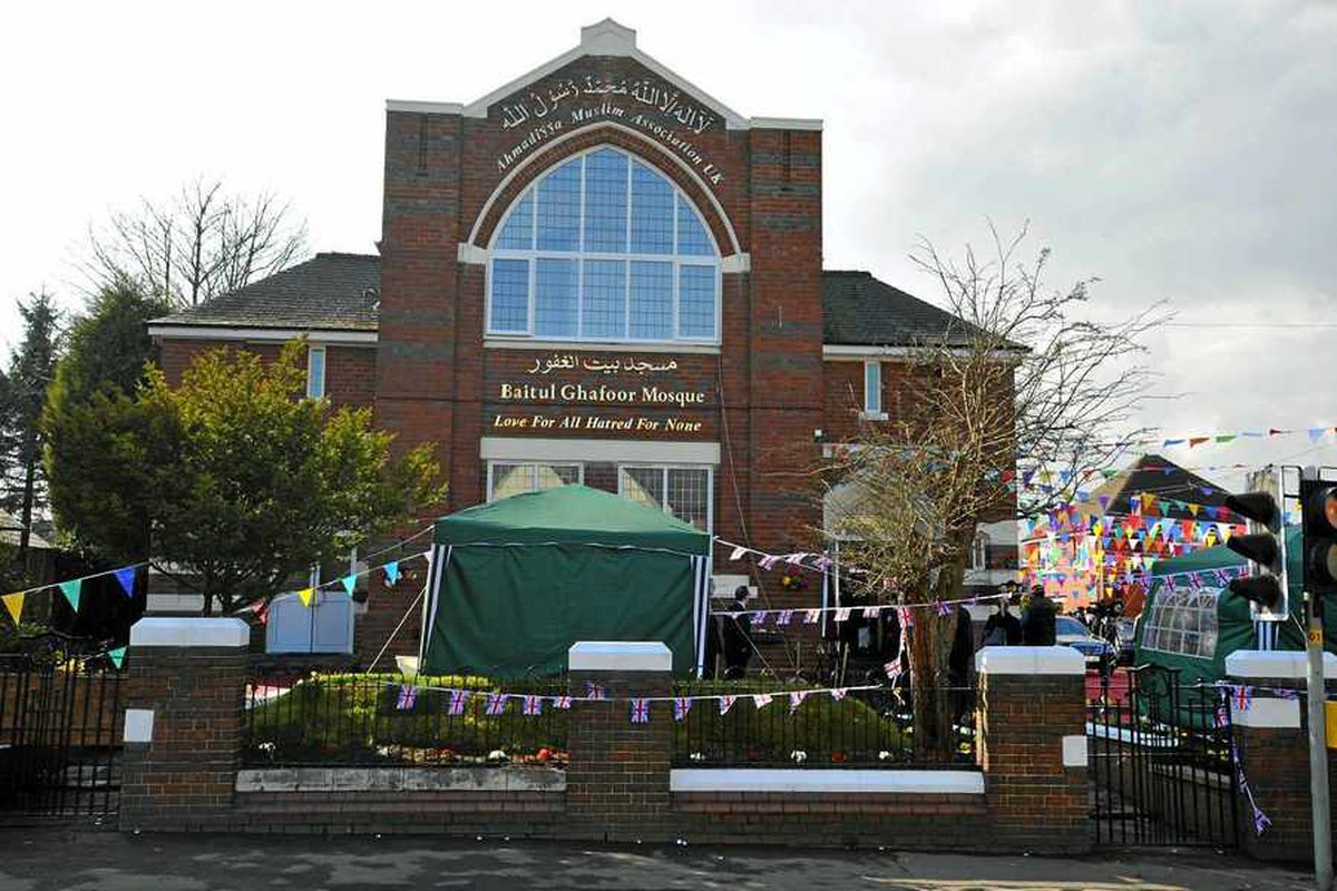 Halesowen mosque dome is rejected after hundreds of complaints