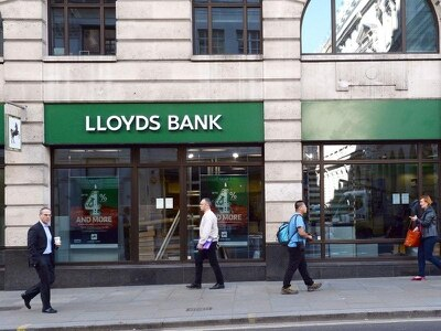 Lloyds cuts nearly 4,000 jobs since being privatised