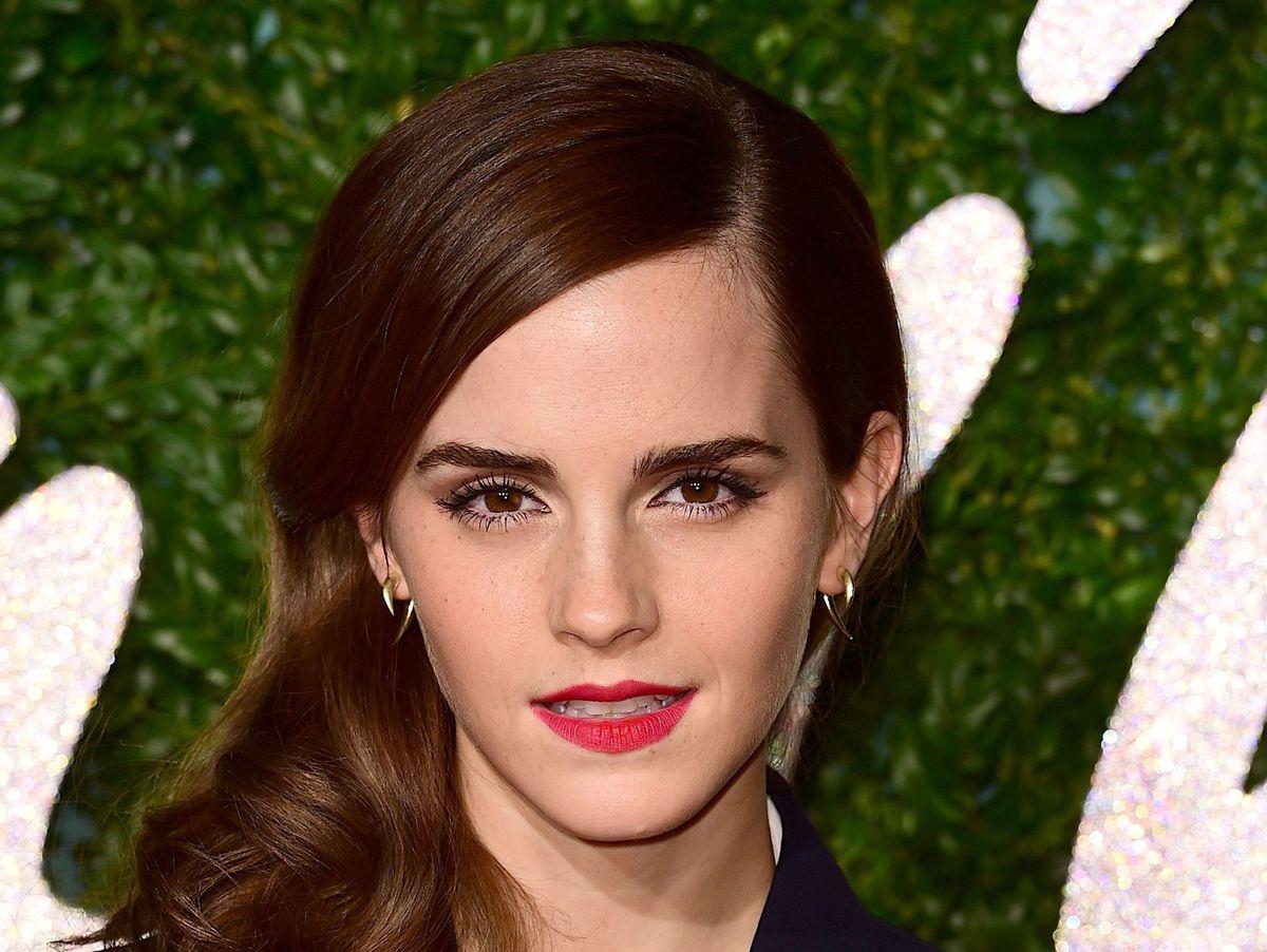 Emma Watson - happy single