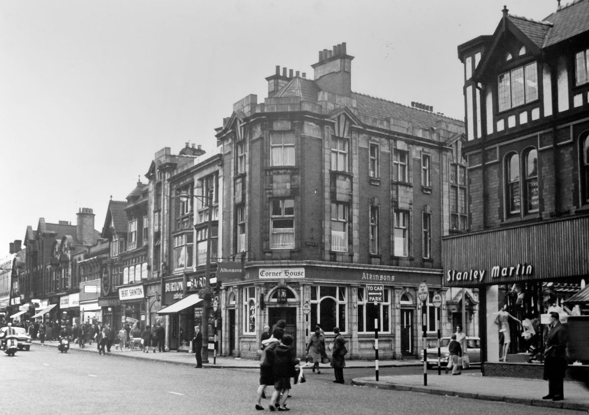 West Bromwich High Street in 1965. Credit: Sandwell Community and Archives Service