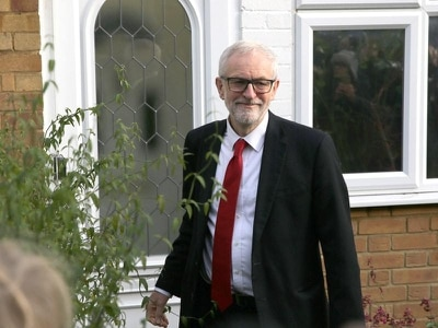 Corbyn signals he will stand down as Labour leader in early 2020