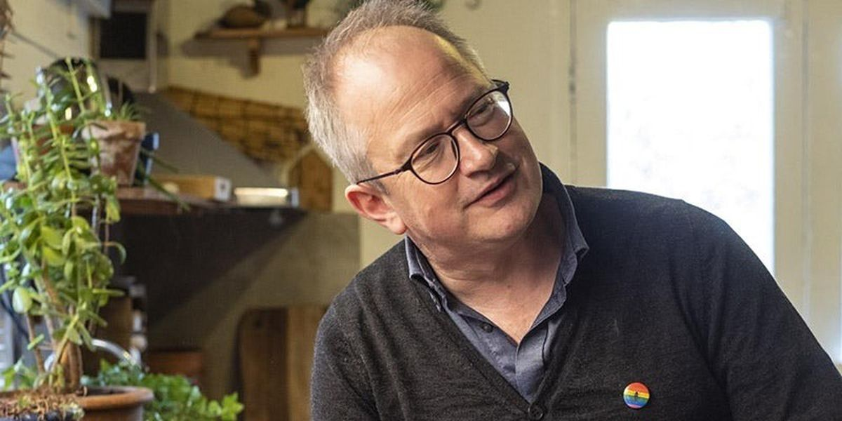 Robin Ince is a comedian and co-host of Radio 4's award winning 'Infinite Monkey Cage' (with Professor Brian Cox)