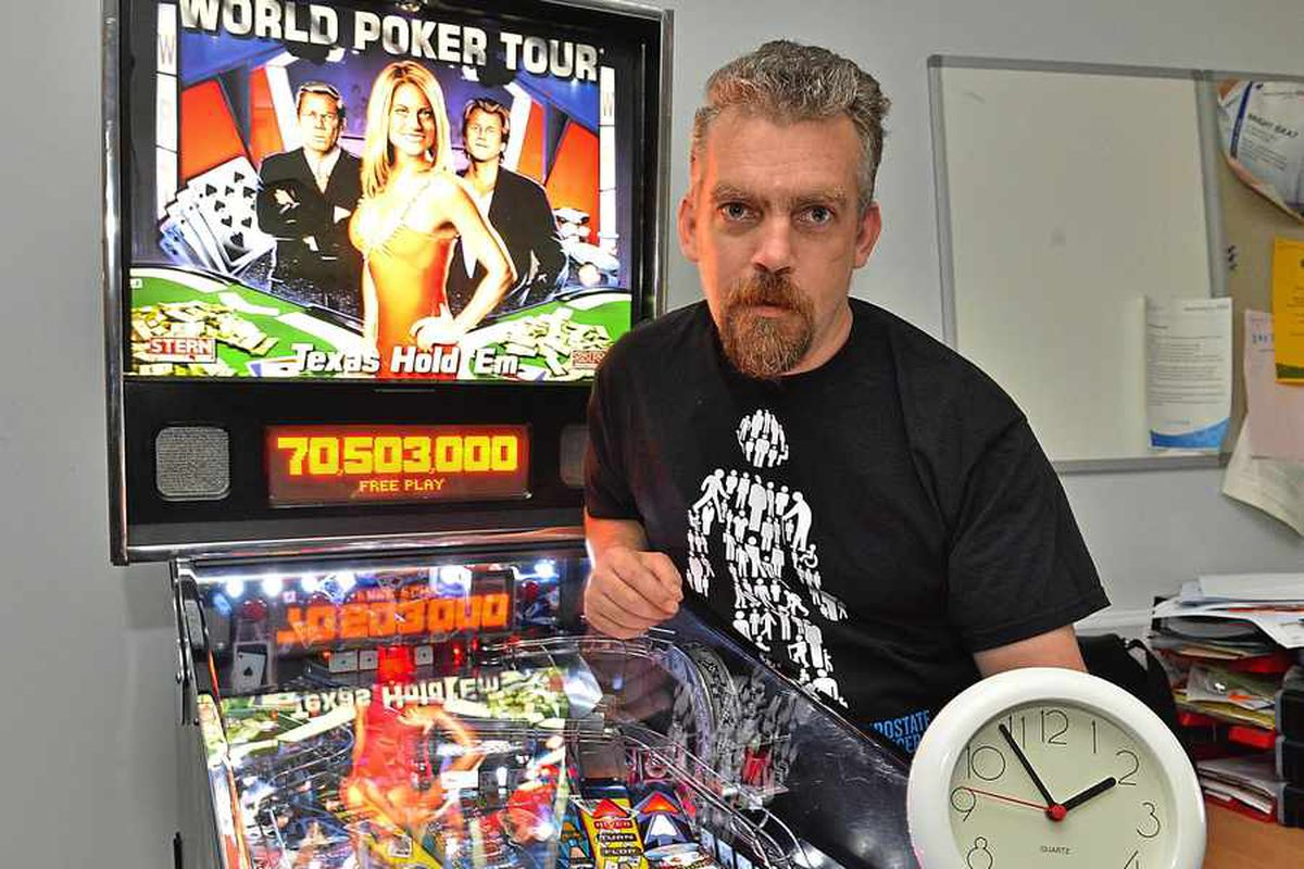Pinball wizard Wayne smashes world record with 30-hour session