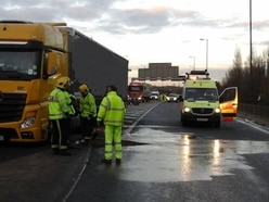 Delays after fuel spillage on the M6 near Wednesbury