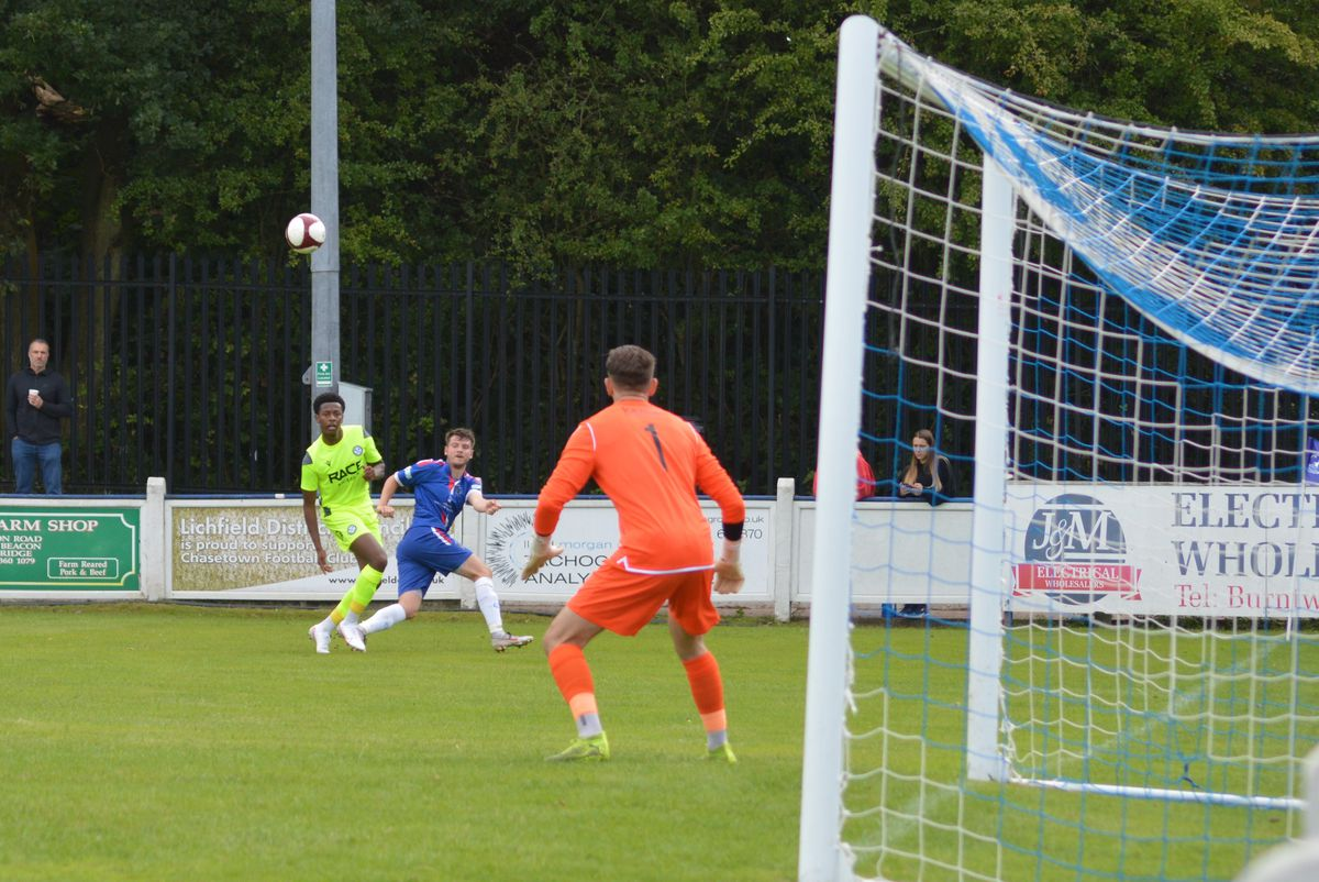 Chasetown take on Hednesford (Photos: Paul Mullins)