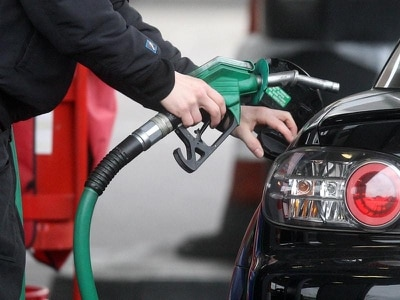 Pause in petrol pump war increases cost of filling up