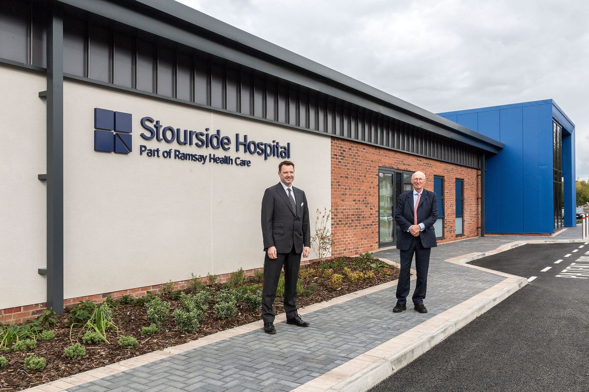 Dr Andy Jones, CEO of Ramsay Health Care UK, and Lord David Prior, chairman of NHS England, at the new Stourside Hospital .Photo: Dammo Photography