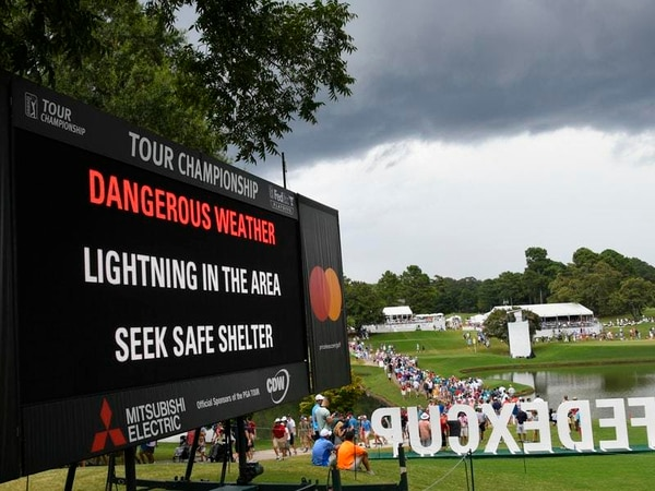 Weather injures spectators and halts the action in Atlanta