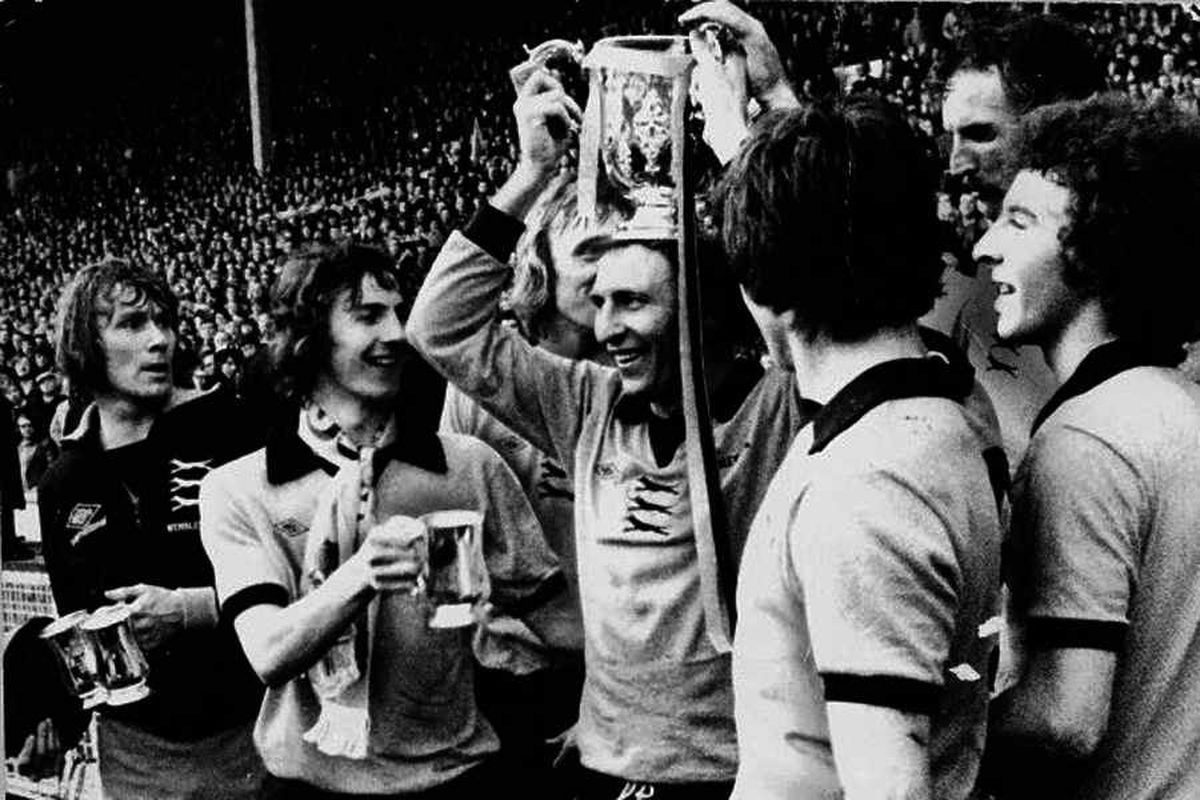 Classic Match Manchester City 1 Wolves 2 League Cup Final  March 2 1974