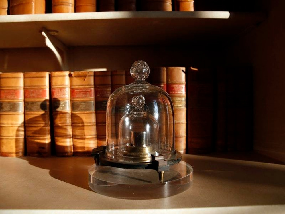 World scientists gather to vote on how to measure a kilogram