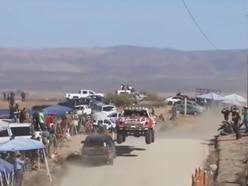 Head-on crash narrowly avoided during Baja 1000 race