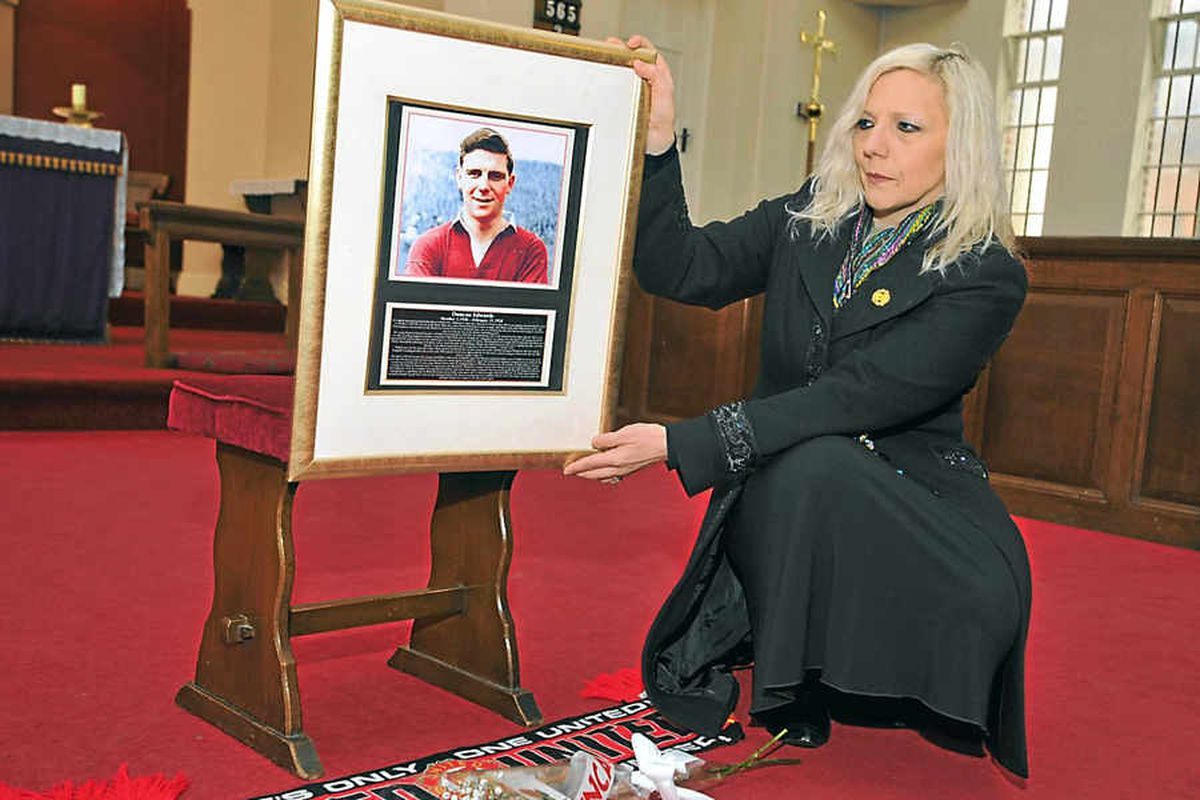 Service honours football great Duncan Edwards