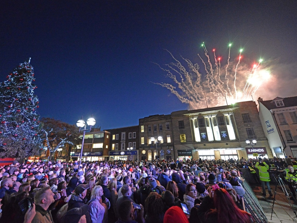 IN PICTURES: Thousands in Stafford for Christmas lights-switch on