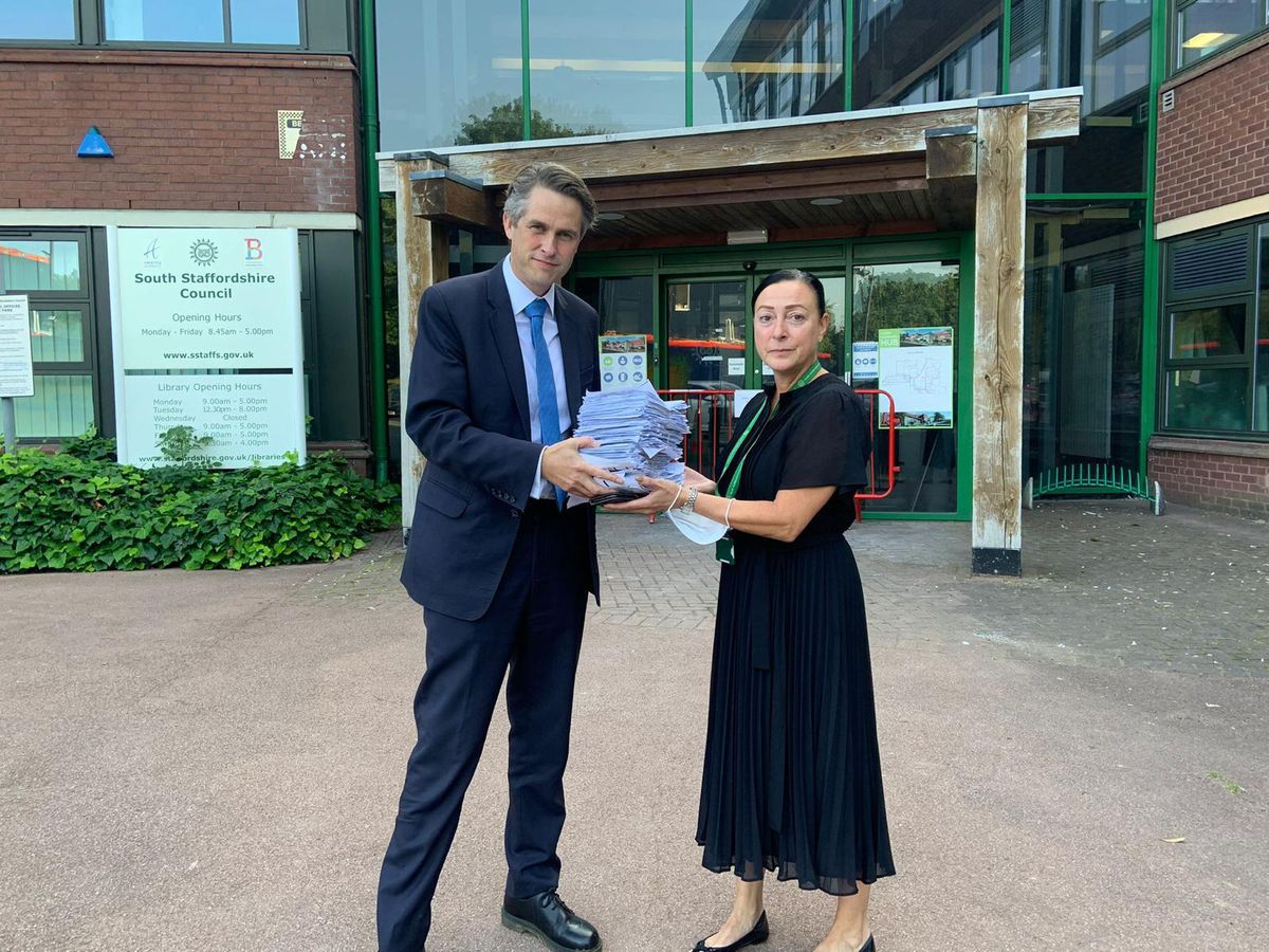 Gavin Williamson handing over the petition to South Staffordshire District Council