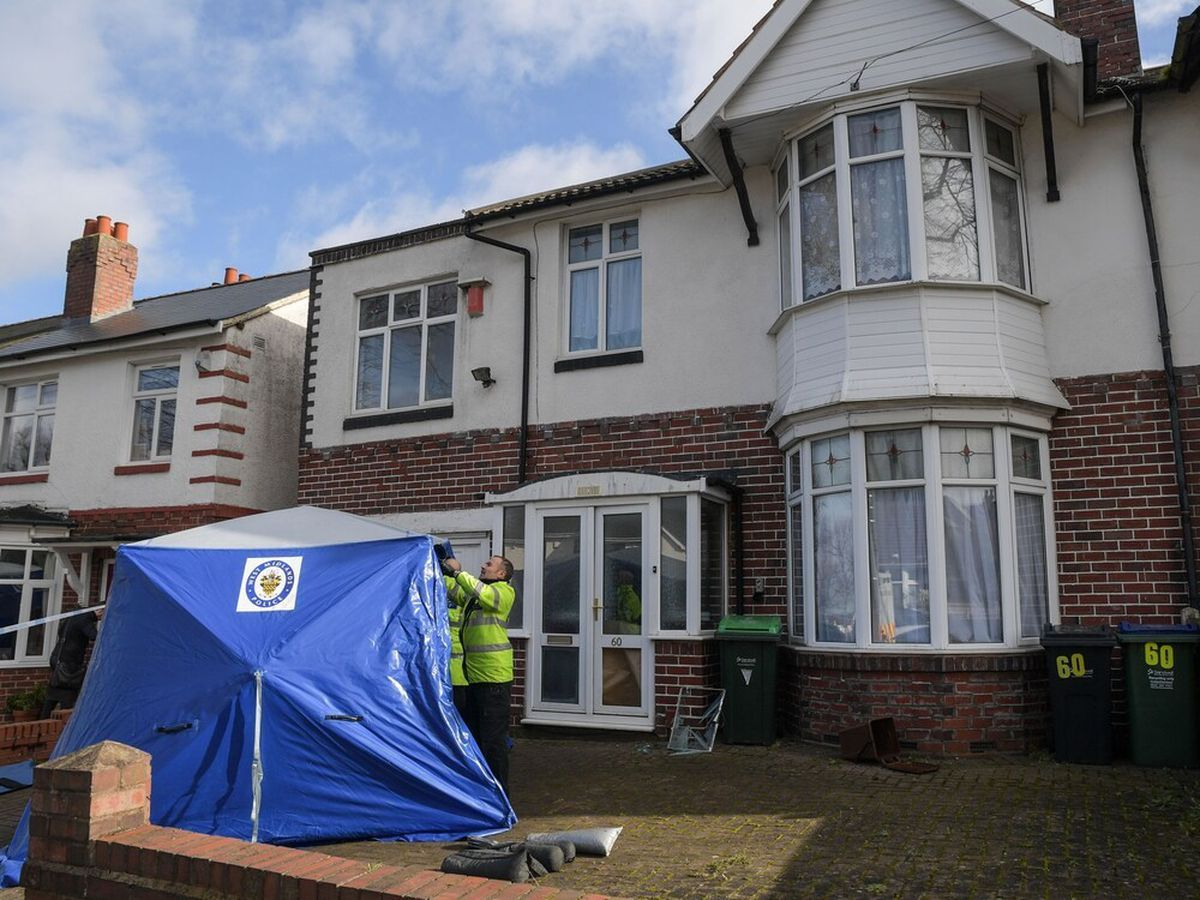 A blue tent was erected outside the house. Image: @SnapperSK