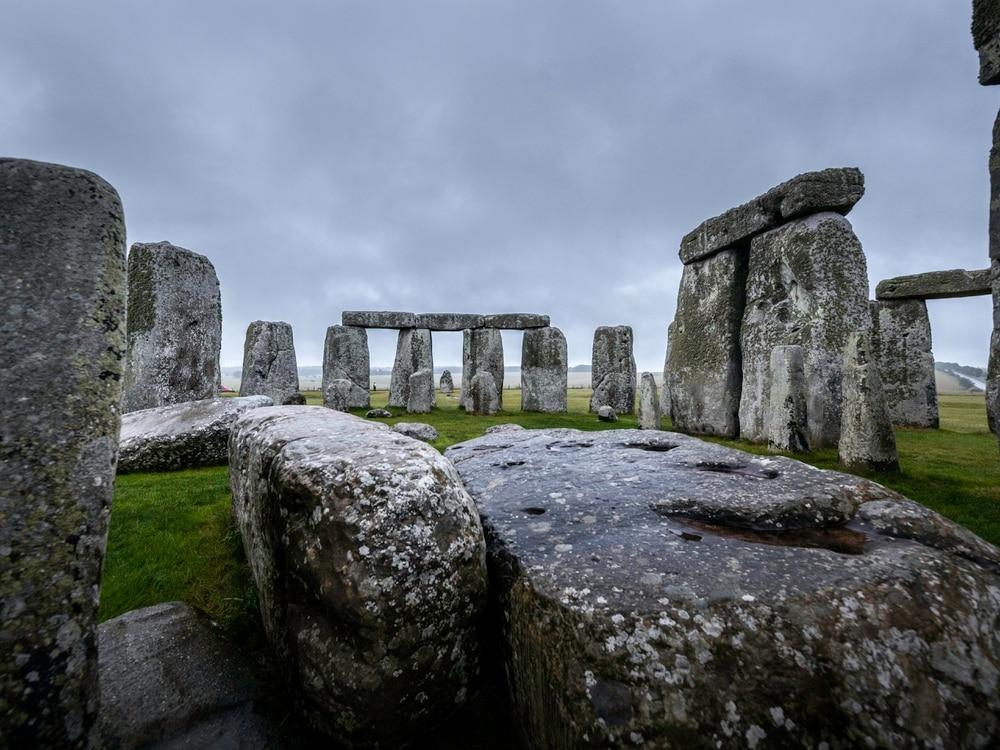 'Astonishing' circle of pits found near Stonehenge