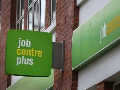 Economists hail 'robust' jobs market despite stalling economy