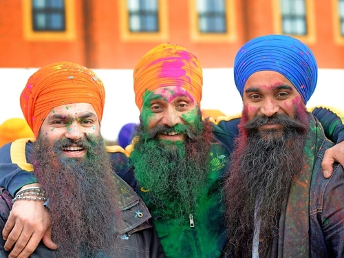 Swords on show as 1,500 flock to Willenhall Sikh festival