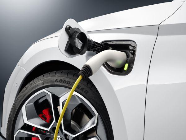 Plug-in Hybrid Vehicle Charging