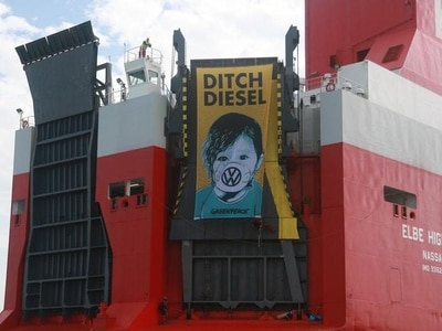 Three arrested after Greenpeace volunteers storm Volkswagen ship