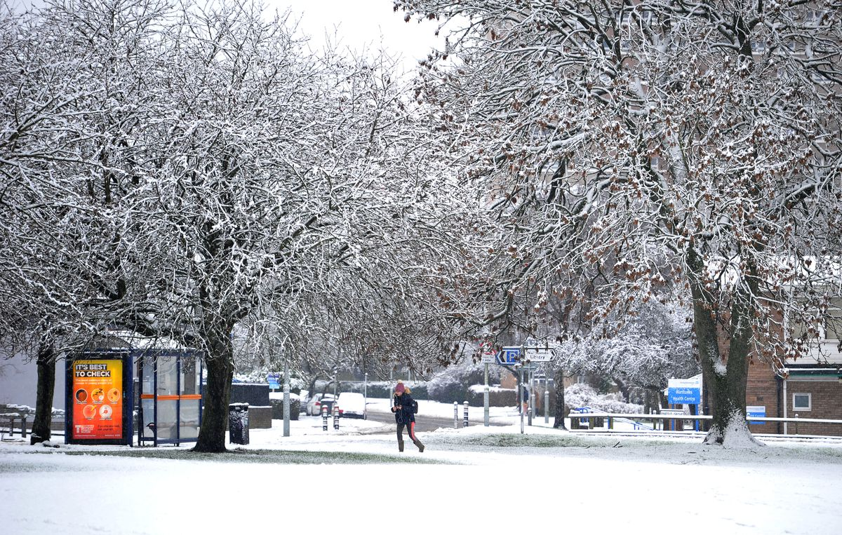 A snowy scene off Warstones Road, Wolverhampton
