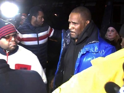 Bail set at one million dollars for R Kelly on sexual abuse charges