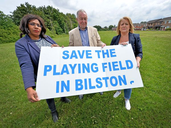 City councillors are opposing plans to build houses on the Grapes pool field in Bilston