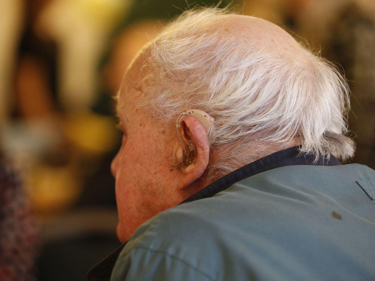 Elderly stock – Hearing