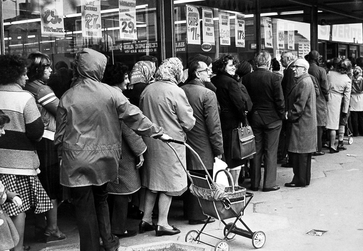 A bread queue in Wellington on November 7, 1978, during a national strike by bakery workers.