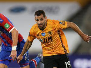 Joel Ward of Crystal Palace and Jonny Otto of Wolverhampton Wanderers (AMA)
